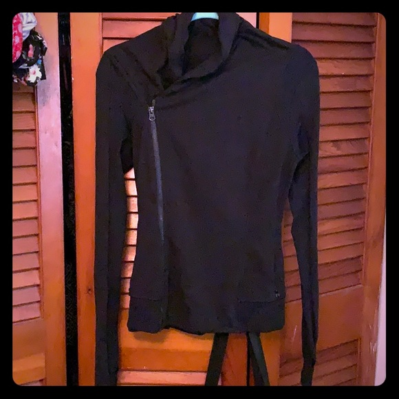 lululemon athletica Jackets & Blazers - Lululemon black asymmetrical zip up. Size 4
